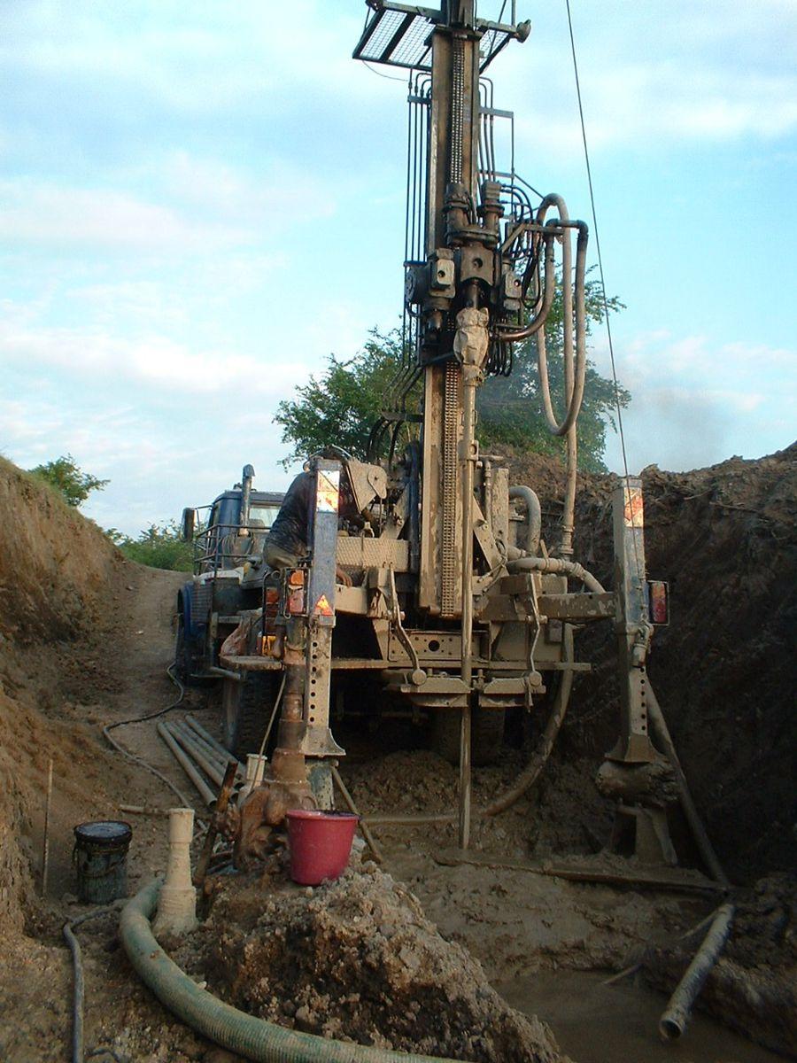 Ingeoexploraciones bucaramanga colombia for Construccion de piletas de agua